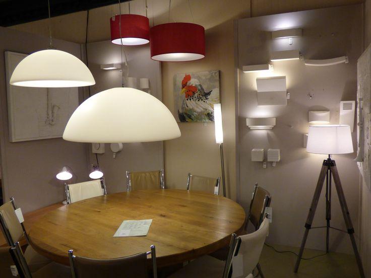Home interior lights / ONLINE SHOP : click on this LINK ( www.rietveldlicht.nl ) Verzendkosten gratis . Showroom winkel . .Landelijke hanglampen tafellampen wandlampen en vloerlampen . Ook heel veel keus uit led verlichting! Keuze uit meer dan 3000 artikelen in verlichting in onze webwinkel . Ook meubels, maar die kan je alleen maar bezichtigen en bestellen in onze winkel ( schilderijen, eettafel stoelen , eettafels , banken ) .
