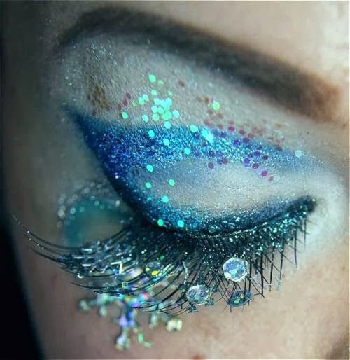 Sea themed eye make-up