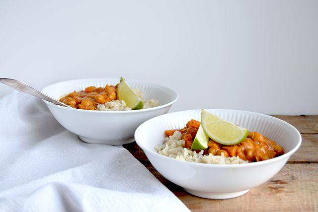 Curry med kikærter og gulerødder