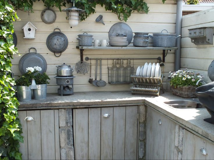 Outside kitchen palletwood | buitenkeuken steigerhout