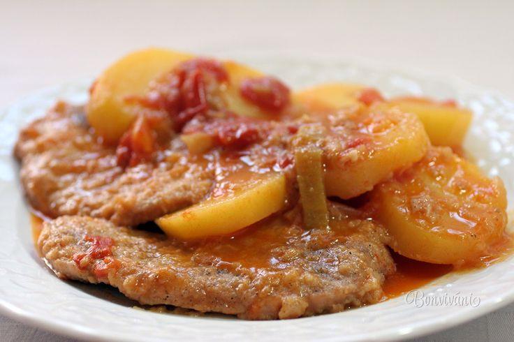 Jedno z obľúbených jednoduchých jedál do jedného hrnca sú belehradské rezne na spôsob roštenky. Chuť duseného mäsa spolu so zemiakmi a lečom je jedinečná. Zemiaky do seba nasajú chutnú šťavu a jedlo je za chvíľu na stole.