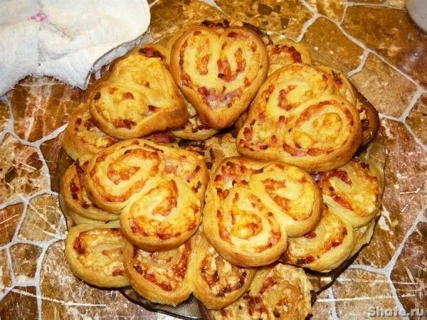 Печенье с ветчиной----- Масло или маргарин  250г- мука  250 г- вода  1\2 стакана- соль  1\4 ч.л.- сахар  1 чл. без верха- сыр твердый  300г- ветчина  200 г-