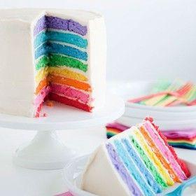 Tá em dúvida sobre que cor escolher? Que tal ousar e escolher todas? Isso, mesmo, um casamento multicolorido, nas cores do arco-íris!