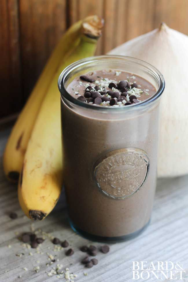 Vegan Chocolate Protein Smoothie. Forget expensive protein powders, this bad boy is powered by nuts & seeds! {Beard and Bonnet} #glutenfree #vegan