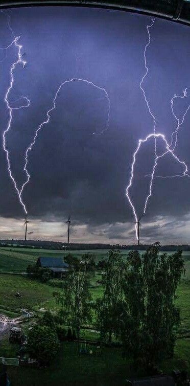Multiple lightning strike Germany
