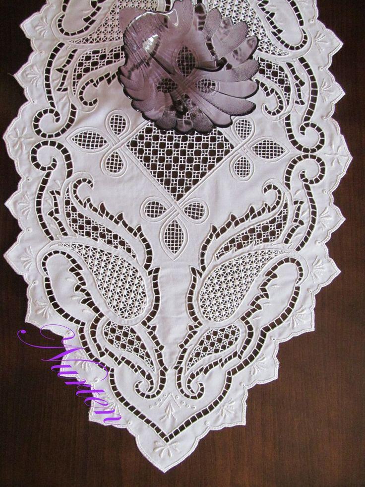 cutwork embroidery tablecloth - embroidery - nakış - delik işi nakış - beyaz iş nakış - detay - detail