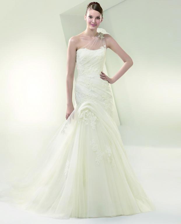 Igen Szalon wedding dress- BT14-15 #igenszalon #beautiful #weddingdress #bridalgown #eskuvoiruha #menyasszonyiruha #eskuvo #menyasszony #Budapest