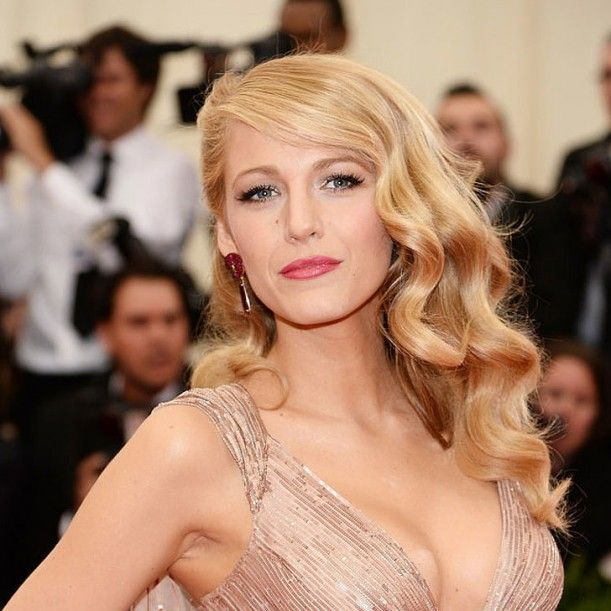 Pictures-Blake-Lively-Hair-Makeup-2014-Met-Gala