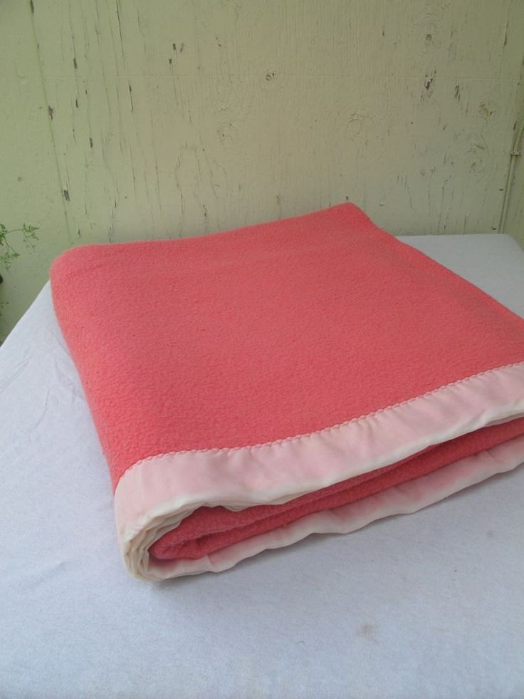 Pink Cozy Blanket/ Queen Size Soft Blanket/Pink Bedspread/Salmon Pink/Coral Pink Blanket/ Soft and cozy/Vintage Wool Blanket/Queen Bedspread by akaATA on Etsy