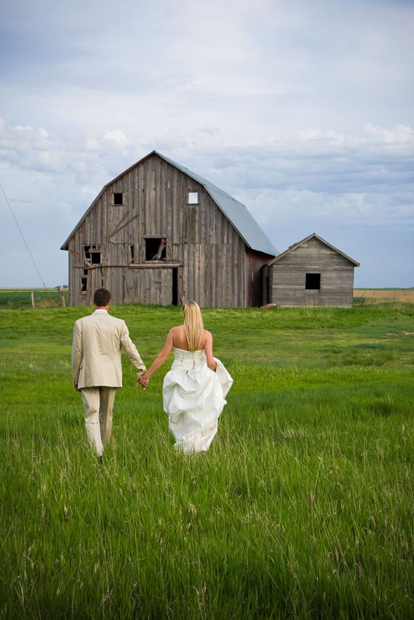 Awwh!  I might have to do one in front of Dad's barn.  He would love it!