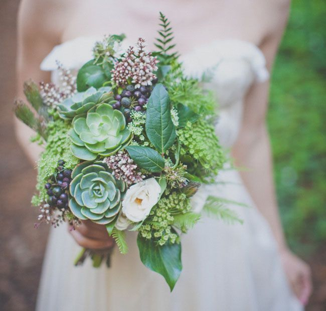 Green bouquet with succulents - Wedding Colours, Wedding Themes, Wedding colour palettes