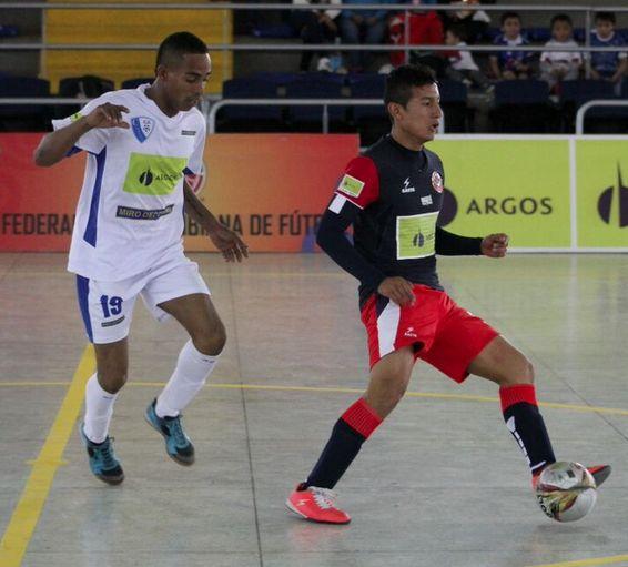 Gran juego entre #campaz y #DeportivoSaeta por la primera fecha. #Futsal #FútbolRevolucionado #LigaArgos