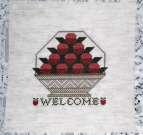 КОРАБЛИ бесплатно!  Prairie Schooler Завершено вышивки крестом - Добро пожаловать Яблоко Корзина Одеяло Блок, верх подушки, орнамент, дверная пружина или оформлена