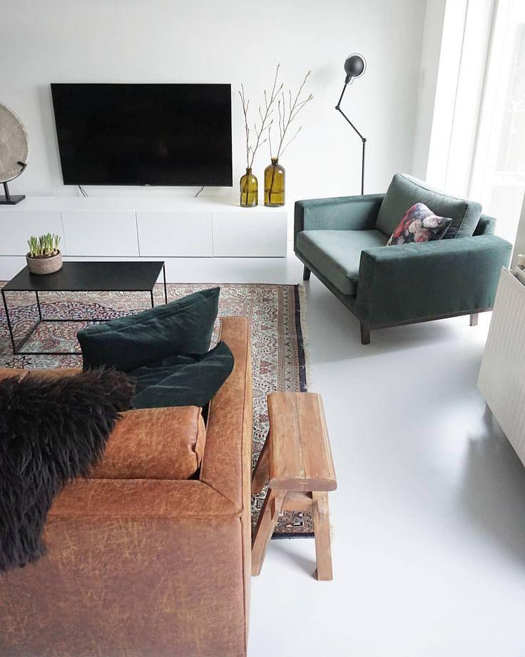 188 vind-ik-leuks, 13 reacties -  Marjolein (@marjoleinlein) op Instagram: 'Goedemorgen! Toch het perzisch tapijt weer neergelegd. Vind de grijze nog altijd prachtig, maar dit…'
