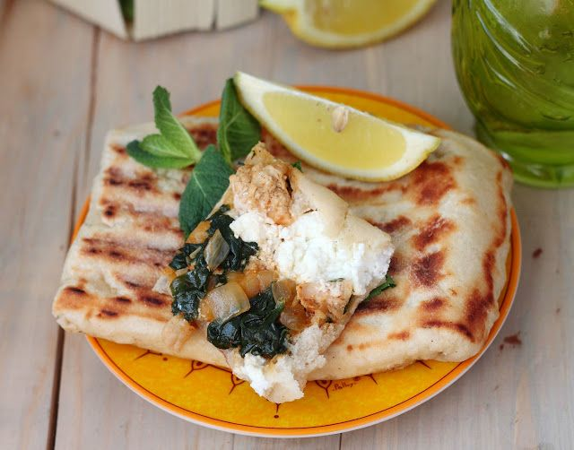 Délices d'Orient: Gözleme grows spinach, chicken breast and feta