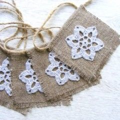Crochet & Burlap Holiday Garland -Etsy.com/NatkaLV This would be fun to make!