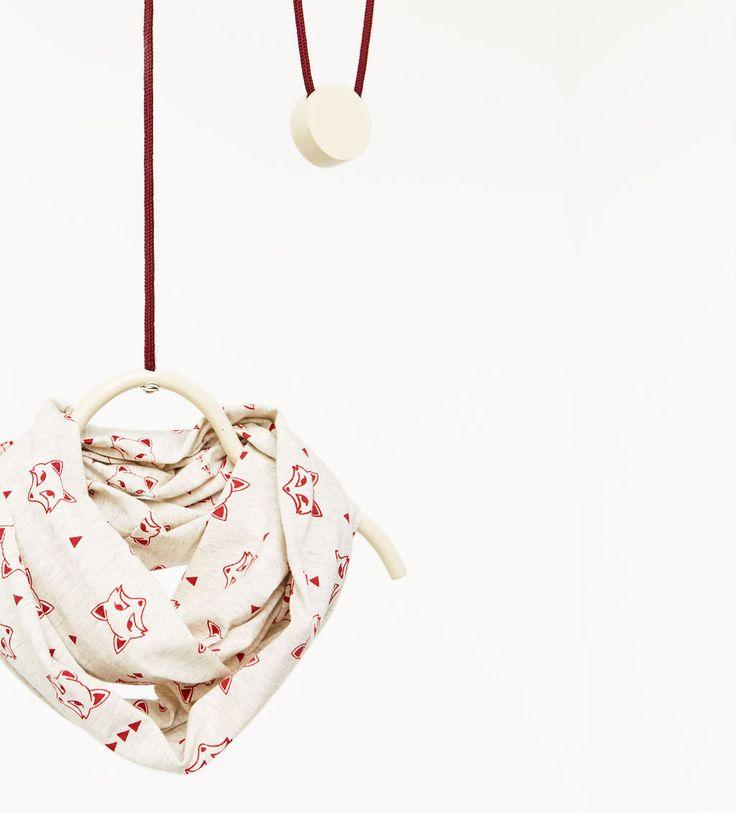 Kraghalsduk i bomull med djurungar-NYHETER-BABY POJKE | 3 månader - 4 år-KOLLEKTION AW16 | ZARA Sverige