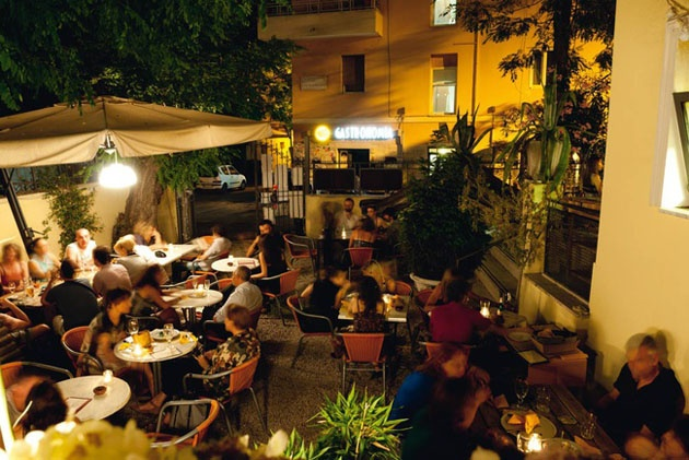 Necci, #restaurant in #Rome, #pigneto district. Vintage style and nice people only 10 min from StayAt http://www.stayatrome.it