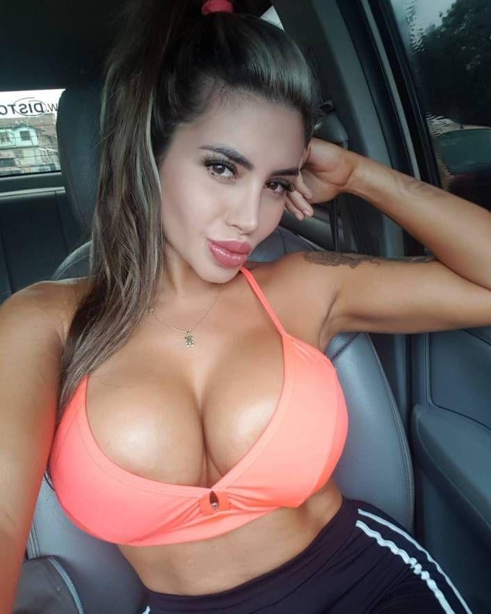 Sexy Latina Nerd Amateur