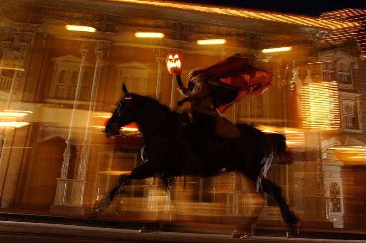 Headless Horseman: Headless Horseman, Disney Halloween, Disney Parks, Horseman Ride, Scary Halloween Parties, Mickey Halloween Party, Things Disney