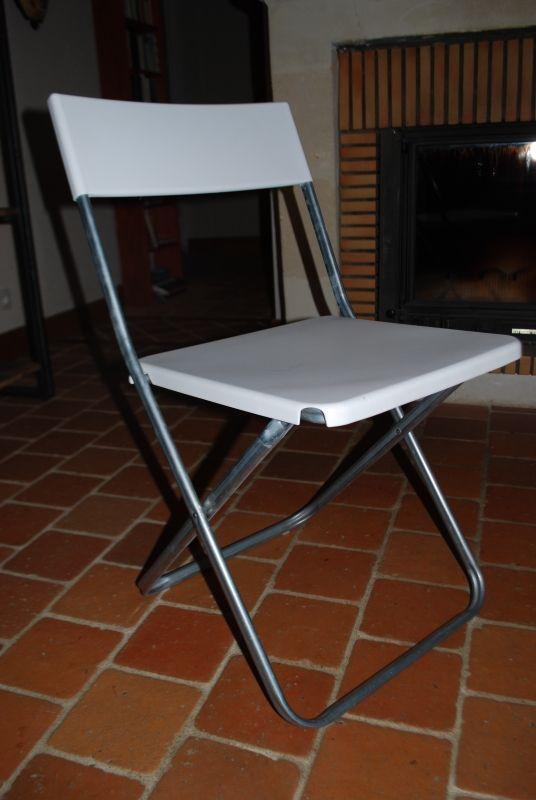 Chaises pliantes légères en métal et plastique épais