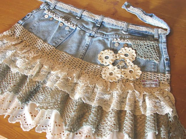 Old jeans + vintage lace and trim = an apron!