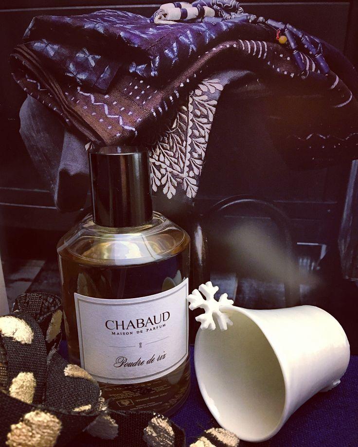 Poudre de riz ....Chabaud's interior fragrances by @nidohomedesign  #luxuryfragrances #homefragrance #eaudeparfum #parfumlovers #fashioninspiration #madeinfrance #homedecor #homestyle #shopping #shoppingday    #colormood  #torinocentro #walkinghome