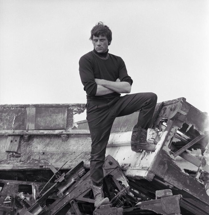 Gorgeous Oliver Reed, 1960s
