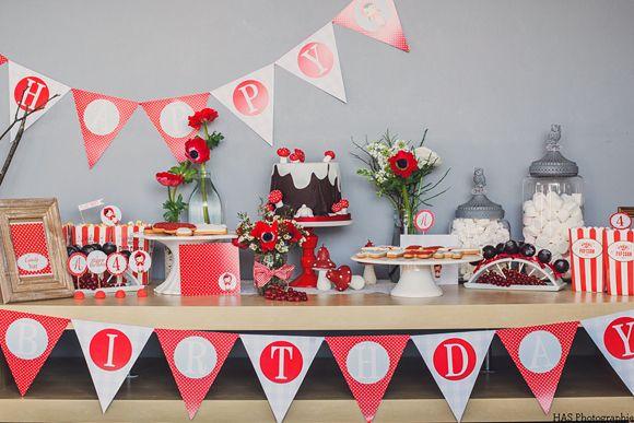 Sweet table sur le thème du petit chaperon rouge, sweet table Little Red Riding Hood