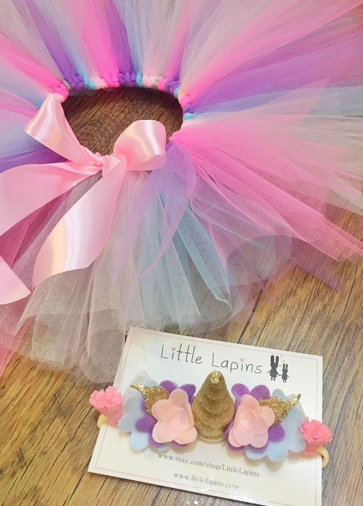 A great unicorn party outfit idea. Tutu and unicorn headband
