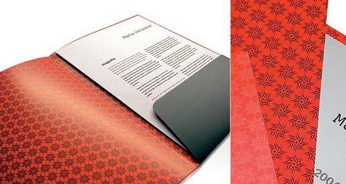 Carpetas troqueladas e impresas con tu imagen de empresa, Impresum te facilita la creación de carpetas corporativas.