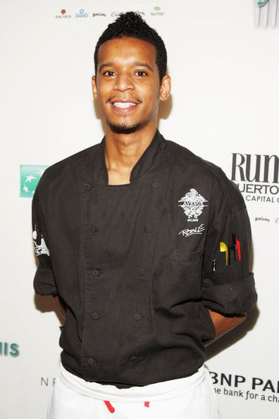 Growing up in Houston, Texas, Chef Roblé Ali was always fascinated with food and cooking. At the Culinary Institute of America in Hyde Park, New York he broadened his knowledge of food. After quickly being identified as one of the hottest up-and-coming chefs, Roblé worked through the ranks as the youngest sous chef ever at Abigail Kirsch. He worked side by side with Chef Chris Santos as Chef de Cuisine of Restaurant Mojo and on the opening of Stanton Social.