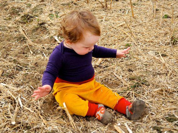 Haremshose Baby Bio Cord gelb gemütliche Kinderhose von kandatsu, €33.00