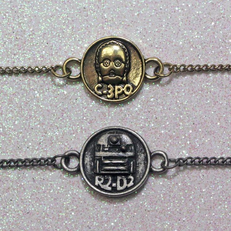 Bioworld x Star Wars C-3PO R2-D2 Best Friends necklace jewelry set ⭐️ Star Wars fashion ⭐️ Geek Fashion ⭐️ Star Wars Style ⭐️ Geek Chic ⭐️