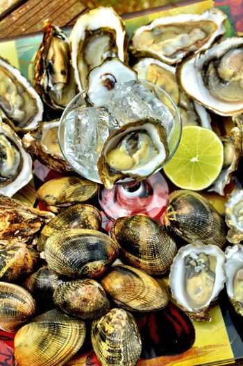 Kumamoto oysters, manila clams, and a lime, Jolly Oyster Food Truck, Ventura, California
