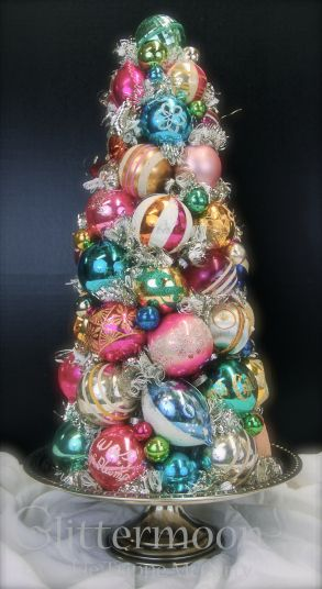 CHRISTMAS FANTASY TOPIARY ©Glittermoon Productions LLC 2012