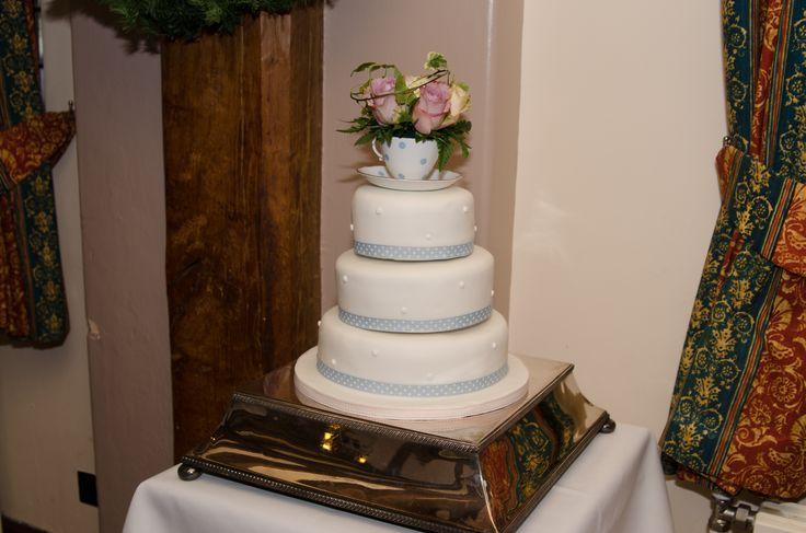 Tea cup wedding cake