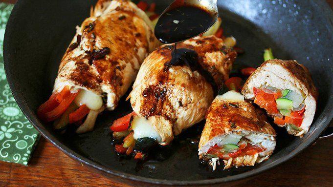 Balsámico glaseado Cheesy Chicken Rollos