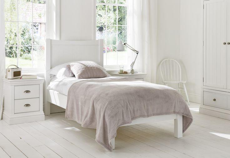 Best 25 White Wooden Bed Ideas On Pinterest