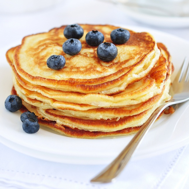 Vanilla Cinnamon Protein Pancakes Ingredients 1 cup lowfat cottage cheese  2.5 cups instant whole grain oats  1 small carton of egg whites  1.5 scoops of Beverly vanilla ump  dash of cinnamon  dash of vanilla  1 Tbsp sugar free fruit preserves or 1 Tbsp sugar free maple syrup or 1/2 cup fresh fruit