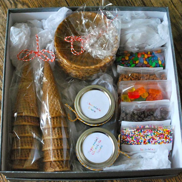 Homemade Christmas Gifts in 2020 Christmas baskets, Diy