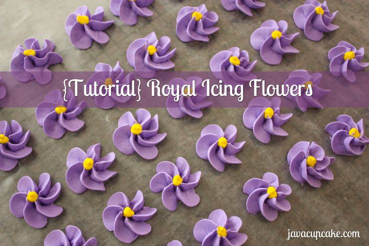 {Tutorial} Learn to make Royal Icing Flowers  by JavaCupcake.com
