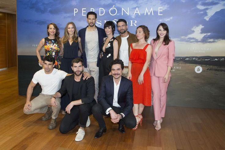 "#TV Silvia Marty – ""Perdoname Senor"" TV Show Photocall in Madrid 05/10/2017 | Celebrity Uncensored! Read more: http://celxxx.com/2017/05/silvia-marty-perdoname-senor-tv-show-photocall-in-madrid-05102017/"