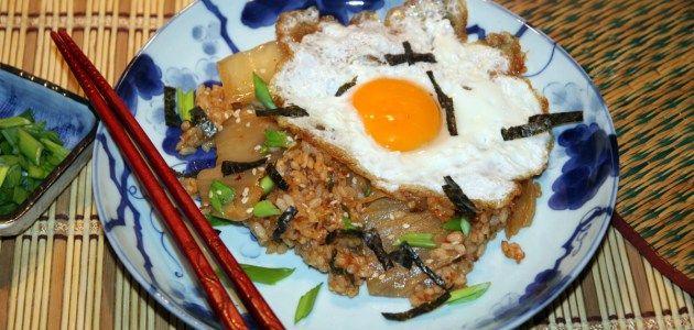 Жареный рис с кимчхи