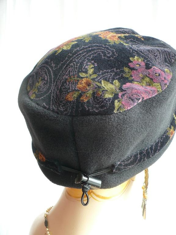 Recycled Velveteen and Polar Fleece Fez Cap. $30.00, via Etsy.  Like the use of multiple fabrics!