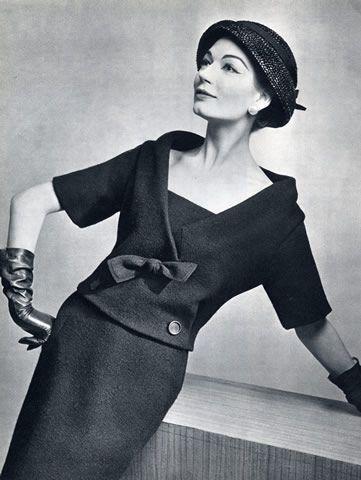 Christian Dior 1957 Photo Pottier                                                                                                                                                                                 Más