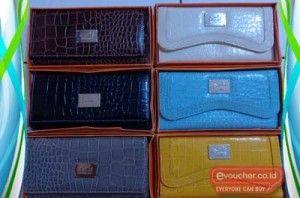 Simpan uang dan kartu-kartumu di dalam dompet kulit hermes yang praktis dan elegan ini hanya dengan Rp. 99,000 - www.evoucher.co.id #Promo #Diskon #Jual  klik > http://www.evoucher.co.id/deal/dompet-kulit-hermes  Dompet kulit ini dapat kamu gunakan untuk menyimpan uang atau kartu-kartu ATM kamu. Lebih Praktis dengan menyimpannya dalam satu tempat.   Pengiriman akan dilakukan mulai 21 Oktober 2013