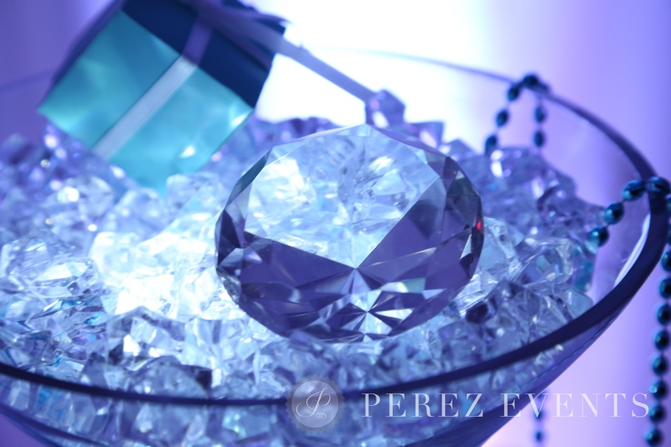Best 25 Martini Glass Centerpiece Ideas On Pinterest Pearl Centerpiece Center Pieces For