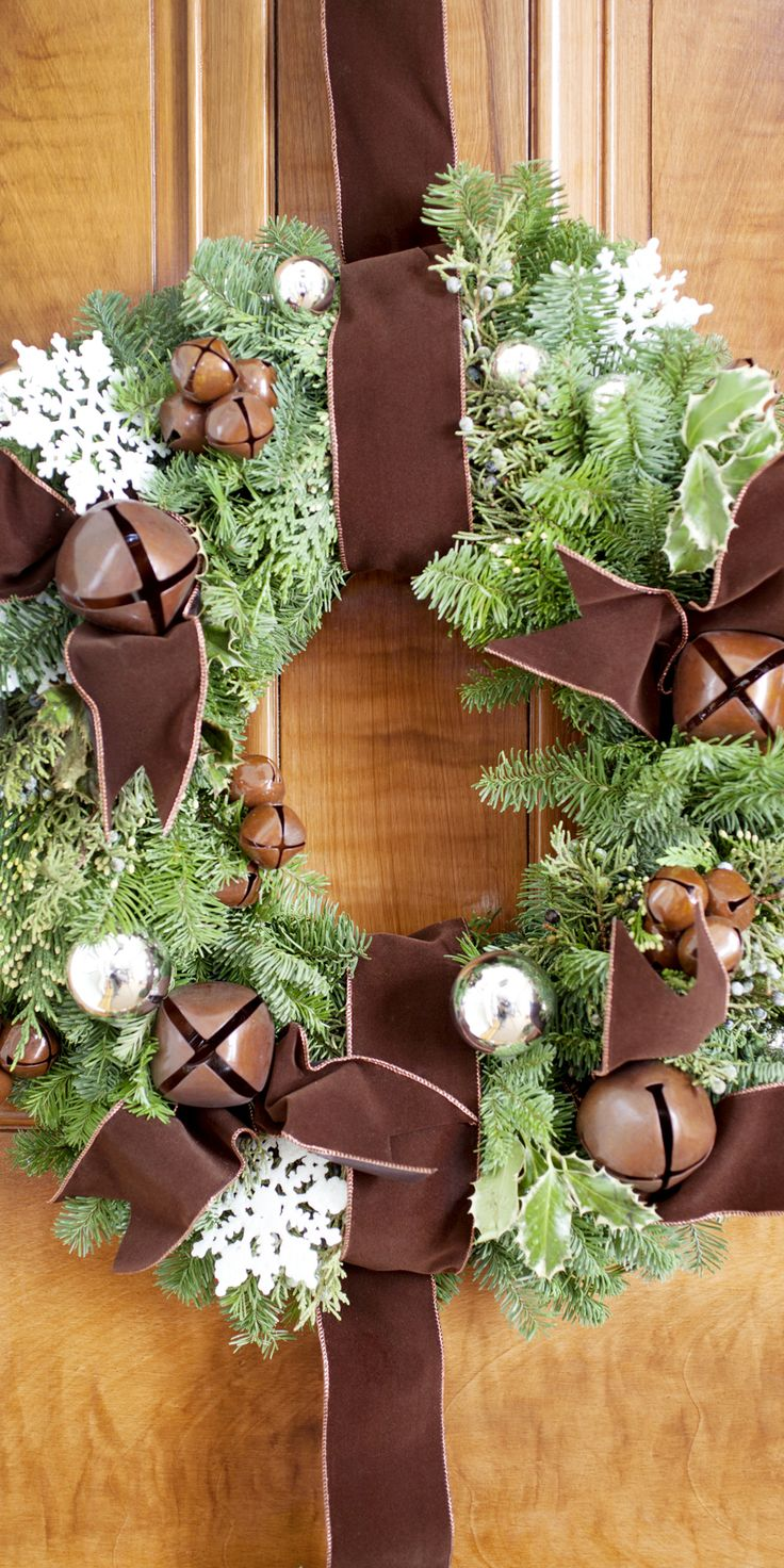 Decorating banisters for christmas with ribbon - Rustic Wreath Christmas Door Decorationschristmas