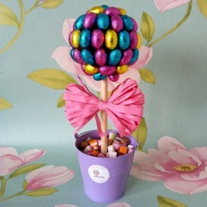Amazing #chocolate egg #Sweet_Tree #candy_tree from @EdibubbleGifts. Wish i'd had one in time for Easter Sunday dinner!